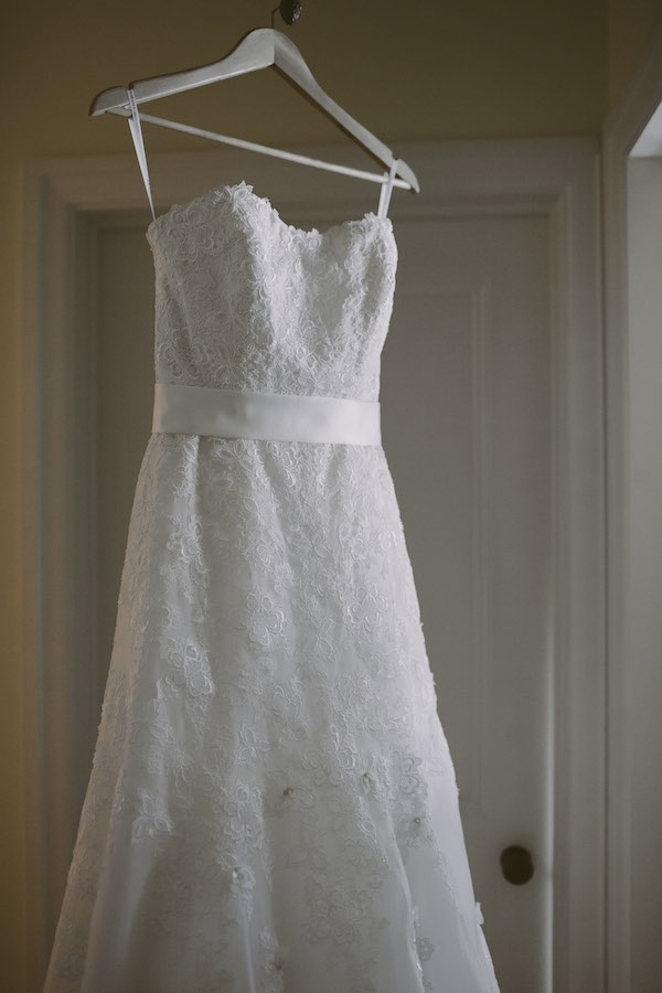 gorgeous lace strapless wedding gown!