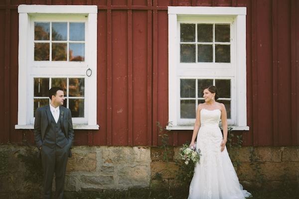 Bride and groom cute wedding photo!