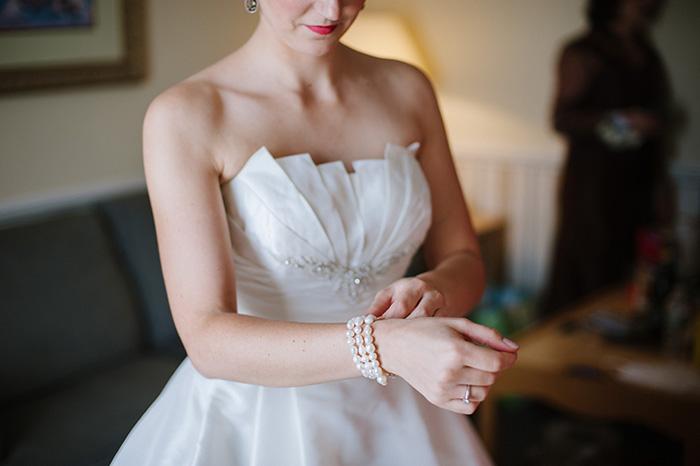 Bride wedding dress unique