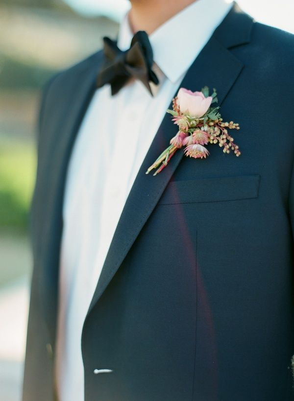 Photo by  Taylor Lord  via  Chic Vintage Brides