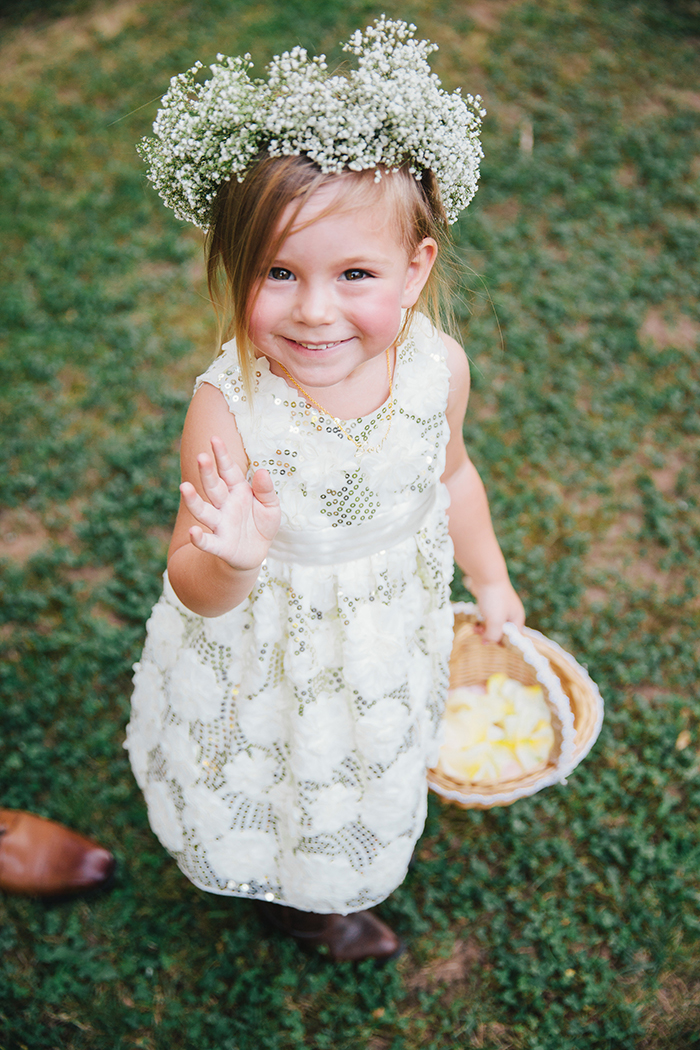 Adorable flower girl!