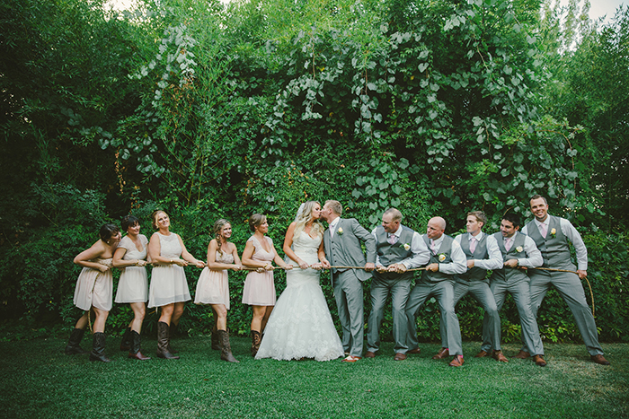 Fun bridal party photo idea!
