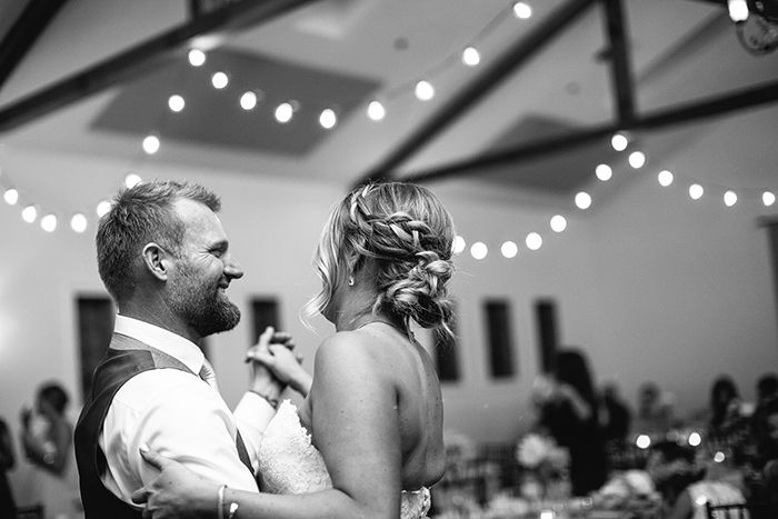 Beautiful first dance photo <3