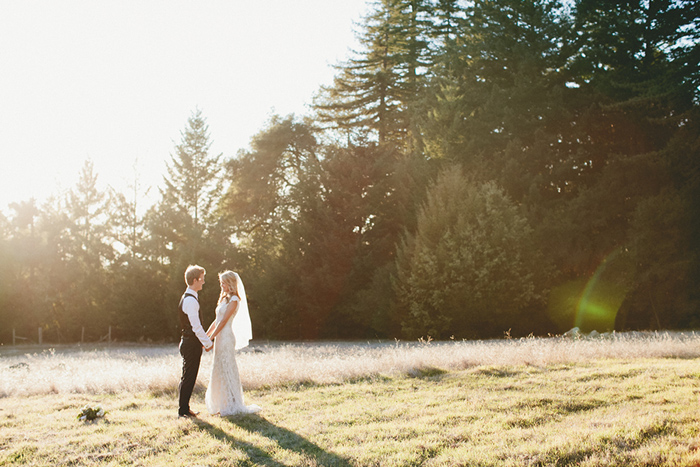 Gorgeous romantic & rustic wedding portraits for the bride and groom