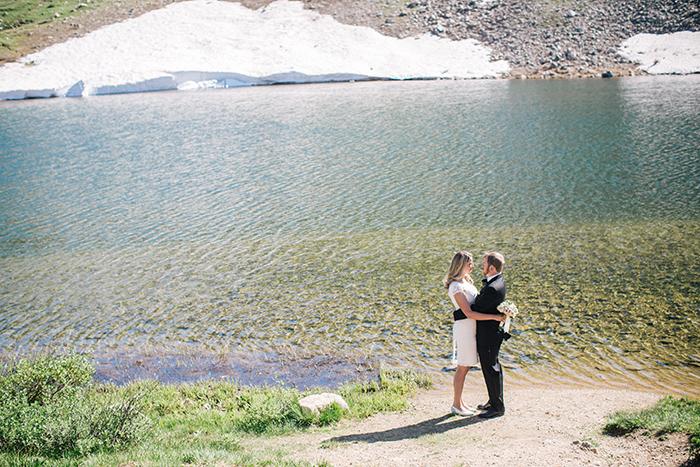 Wedding mountain elopement by a lake