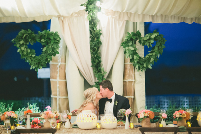 Gorgeous wedding table decor at the reception