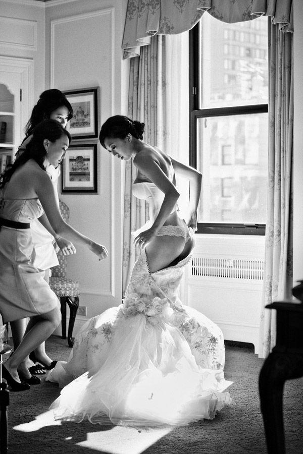 Photo by  Jone Tsu Photography  via  June Bug Weddings