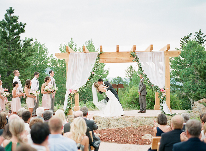Blush_pink_Outdoor_Mountain_Wedding_by_Connie_Whitlock_054