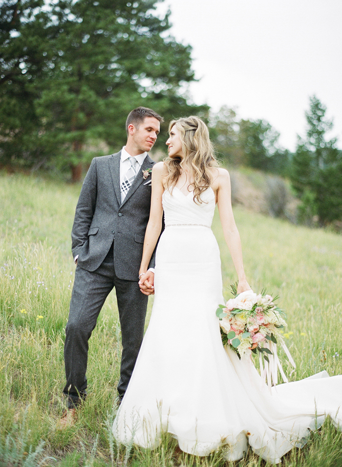 Blush_pink_Outdoor_Mountain_Wedding_by_Connie_Whitlock_096