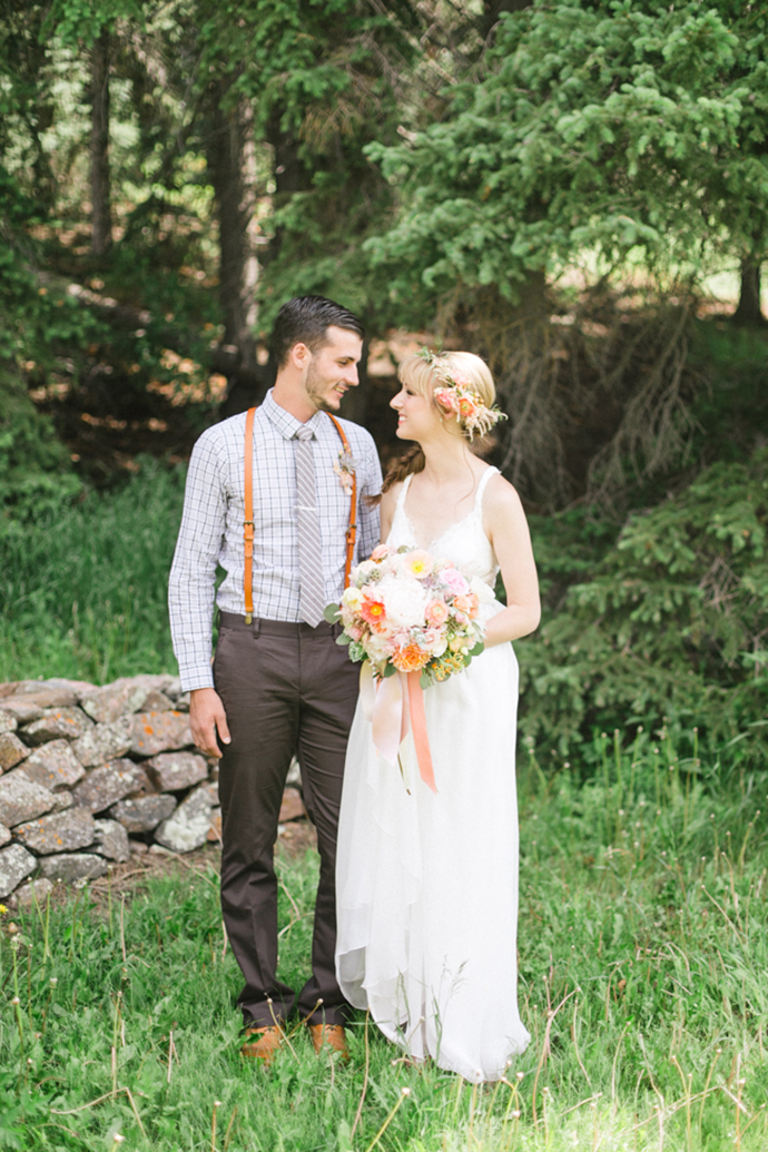 Colorful_Bohemain_Barn_Colorado_Wedding_by_Connie_Whitlock_048.jpg