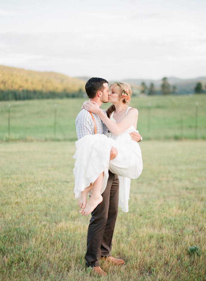 Colorful_Bohemain_Barn_Colorado_Wedding_by_Connie_Whitlock_181.jpg