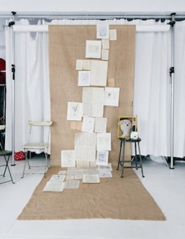DIY-Book-Page-Photo-Booth-Backdrop-297x384.jpg