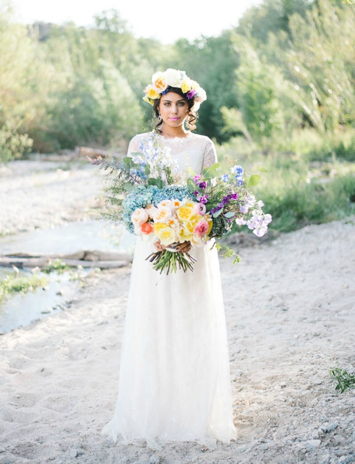 Photo by  Jenna Bechtholt Photography  via  Green Wedding Shoes