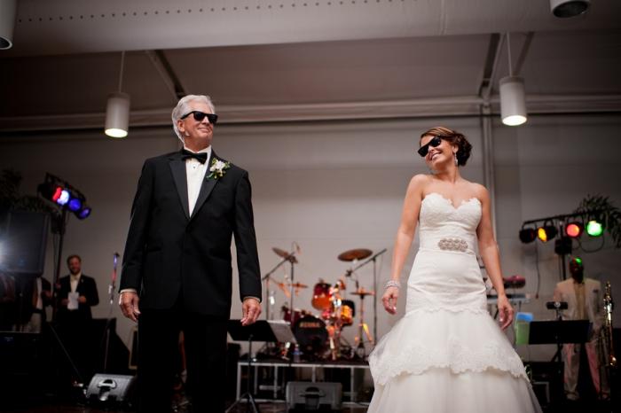 Photo by Dark Roux Photography via  Storyboard Wedding