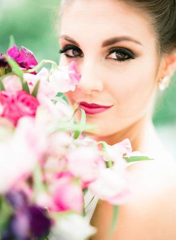 Photo by  Sarah Beth Photography  via  Style Me Pretty