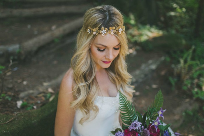 Photo by  Two Foxes Photography  via  Green Wedding Shoes