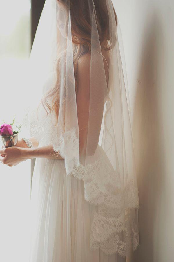 Photo by  Ellie Asher  via  Hey Wedding Lady