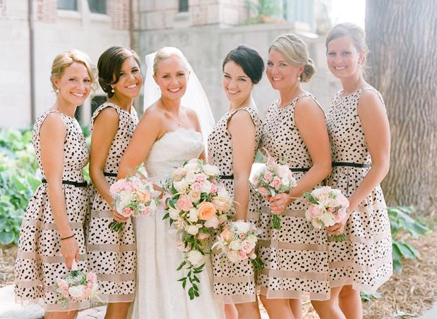 Photo by  Amy Majors Photography via Grey Likes Weddings