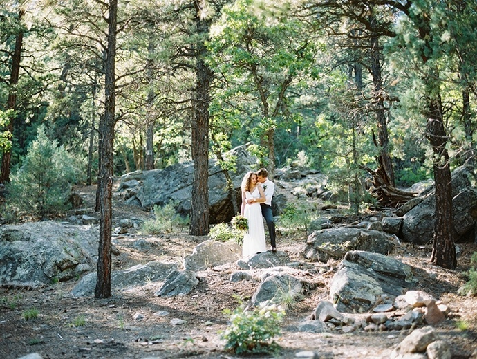 0194_NateAmber_Fine_Art_Film_Photography_Colorado_Destination_Wedding-690x519.jpg