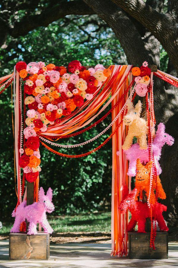 Photo by  Anahi Weddings via  Ruffled