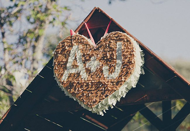 Photo by  Steve Cowell Photo  via  Wedding Chicks