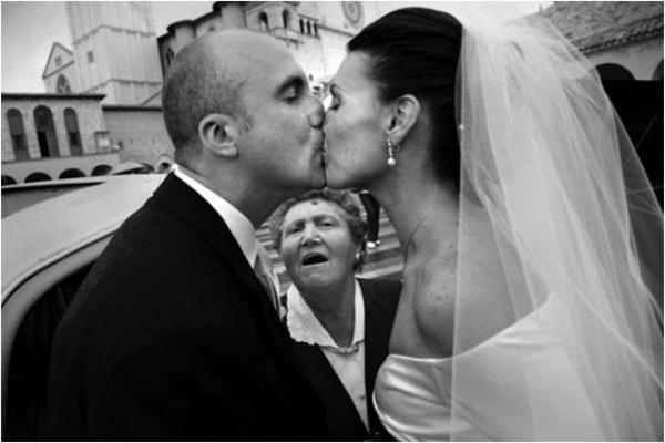 wedding, guests, types of guests, photobomb, relative, wedding ceremony, wedding photography, humor