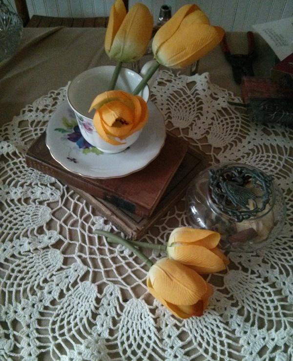 antique teacup wedding centerpiece
