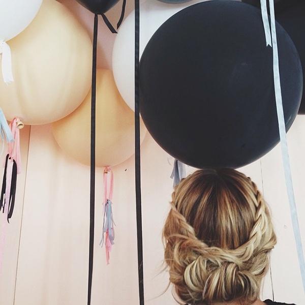 Gorgeous wedding hair updo ideas!