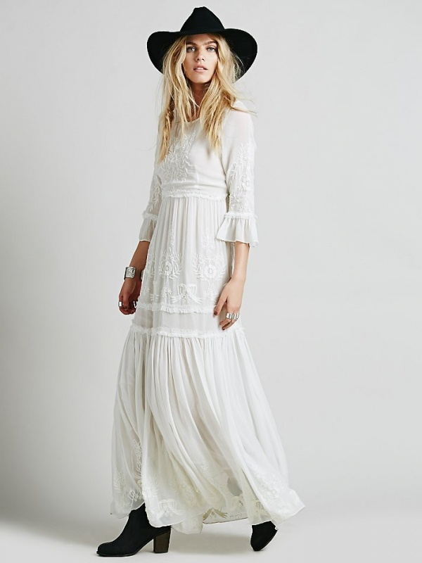 Beautiful boho wedding dress from Free People under $500!
