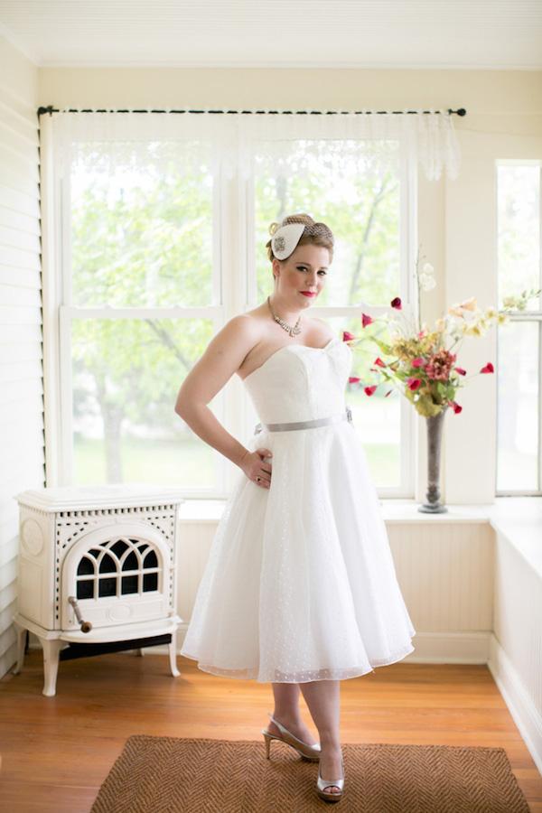 Stunning 50's vintage style bride on her wedding day!