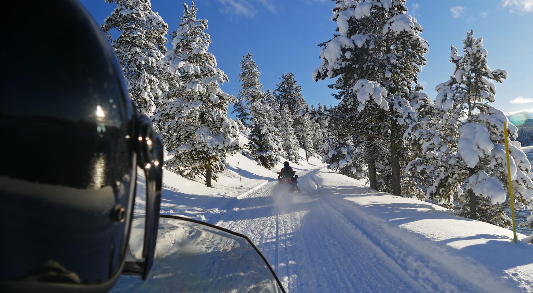 snowmobile-black-hills.jpg
