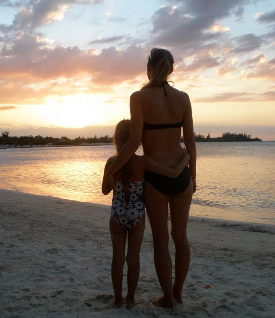 single mum moves to hawaii
