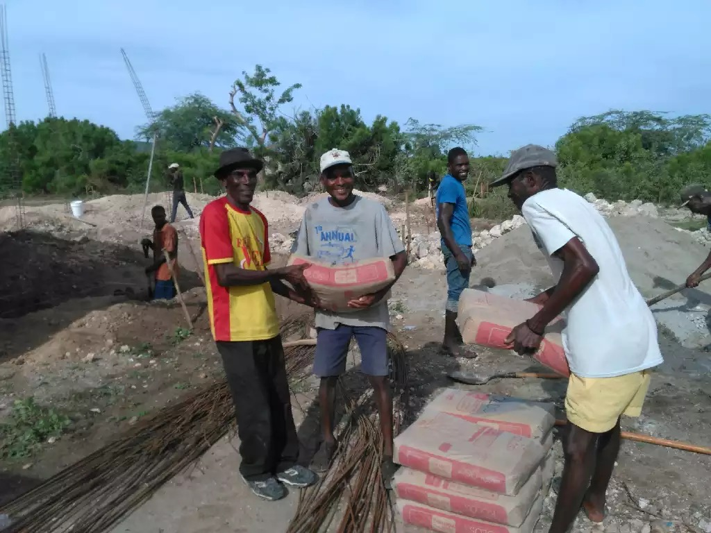 Cement delivery in Colminy.jpg