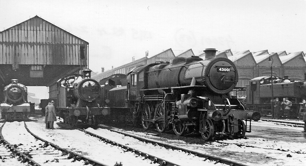 Locomotives in front of the Swindon Works in about 1960. Image taken by Ben Brooksbank https://www.geograph.org.uk/profile/44502