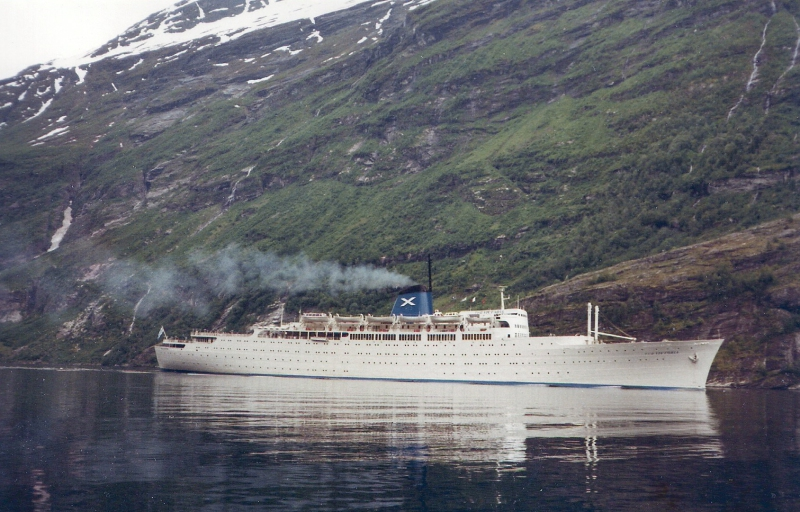 Image by Peter Inpyn - http://www.shipspotting.com/gallery/photo.php?lid=2768523