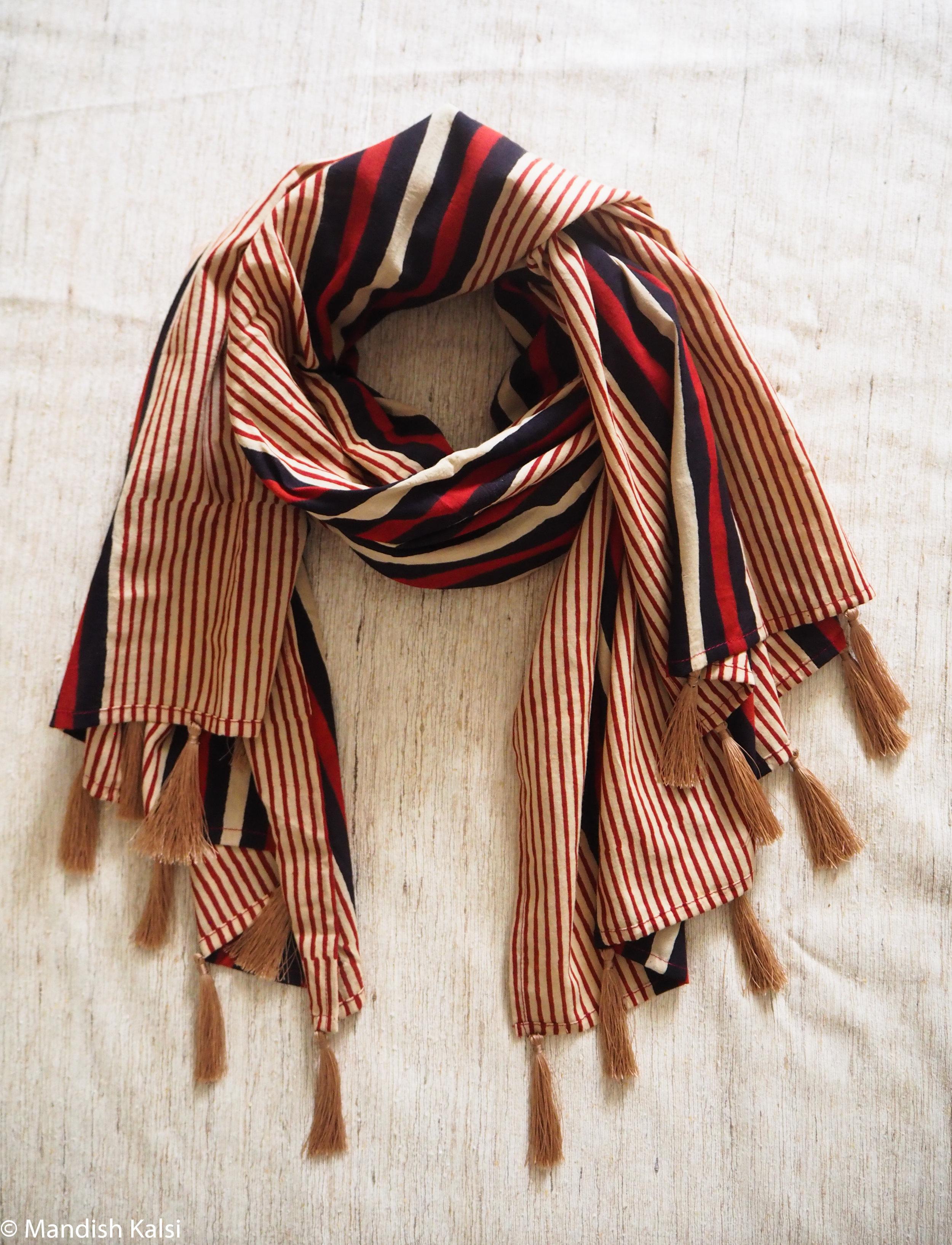 Stripe print - Large scarf with tassels