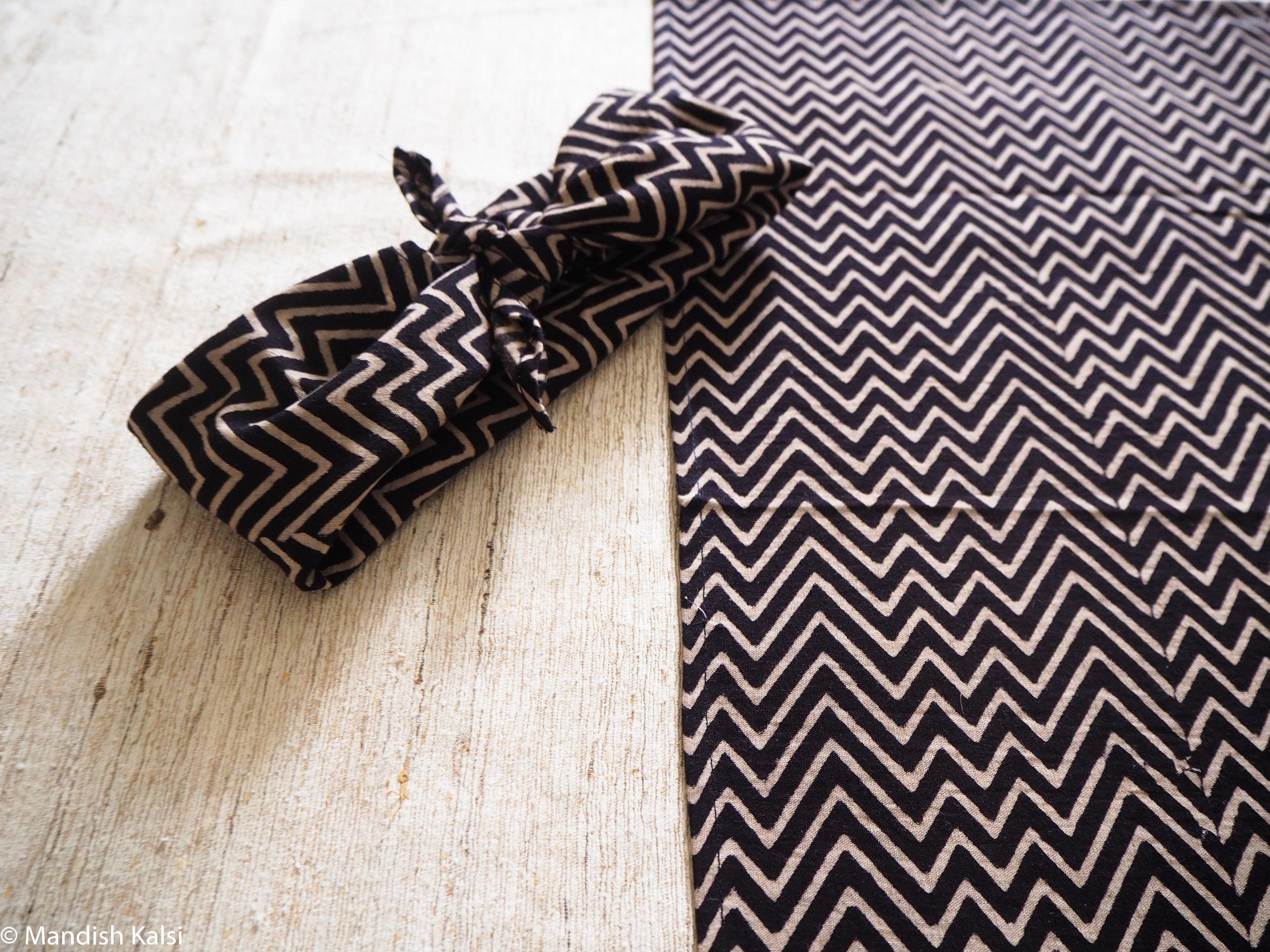 Black & Beige chevron print - Head scarf / Neckerchief