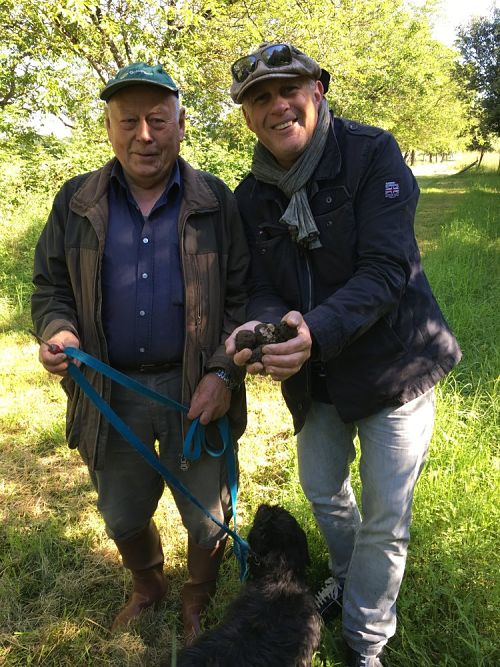 Black Truffle Hunting Dordogne Valley - small group tours dordogne