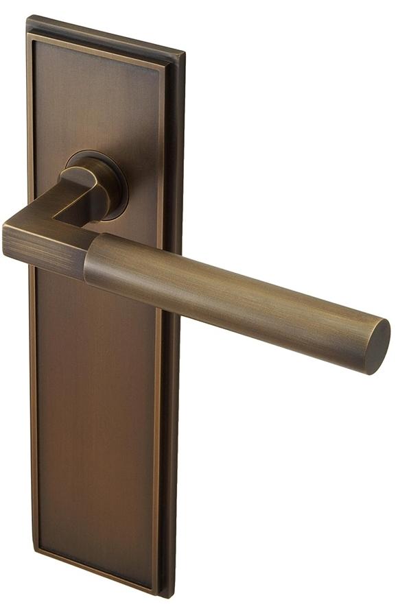 Bronze handles 3a.jpg