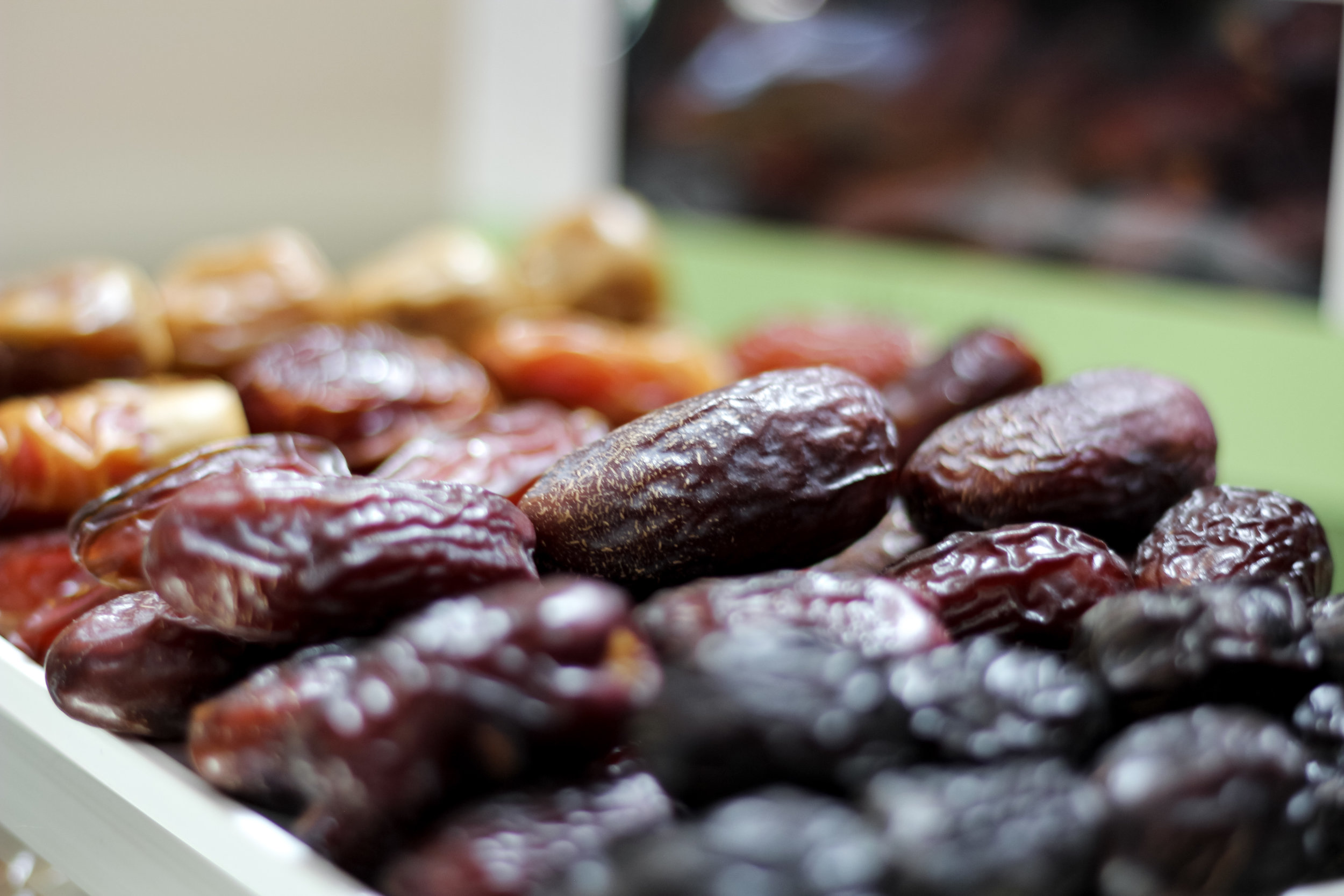 Select from a range of gourmet dates - Our dates are grown across lush farms and carefully selected for the finest taste.