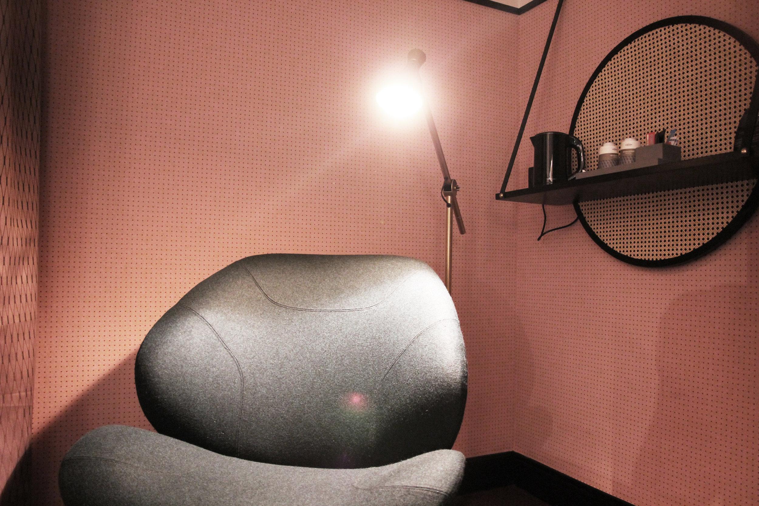 Chill out in the sofa - Confortable sofa // Détente dans le fauteuil
