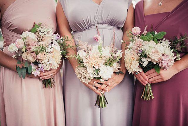 Pretty maids all in a row. Flowers by @beamsleyblooms . . . . . #bridesmaids #bridesmaidbouquet #bouquet #wedding #weddingbells #bridalparty #bridesmaiddress #yorkshirewedding #weddingphotography #boltonabbey #tithebarn #yorkweddingphotographer #maltonweddingphotographer #yorkshirephotographer #tiffanymargaretphotography