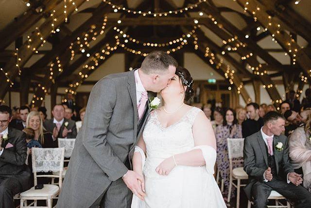 Happy 1 Year Anniversary Shaun and Louise. . . . . . #sandburnhallwedding #sandburnhall #happycouple #oneyearanniversary #yorkweddingphotographer #yorkwedding #weddingphotography #weddingphotographer #fairylights #firstkiss #mrandmrs