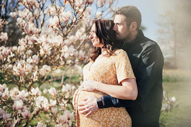 Just look at this beautiful mummy and daddy to be. 🥰 💙💙 . . . . . #maternityphotoshoot #pregnancy #pregnancyphotoshoot #twins #yorkphotographer #yorkshirephotographer #yorkphotography #castlehoward #springtime #springphotoshoot #magnolia #mummytobe #daddytobe #babybump