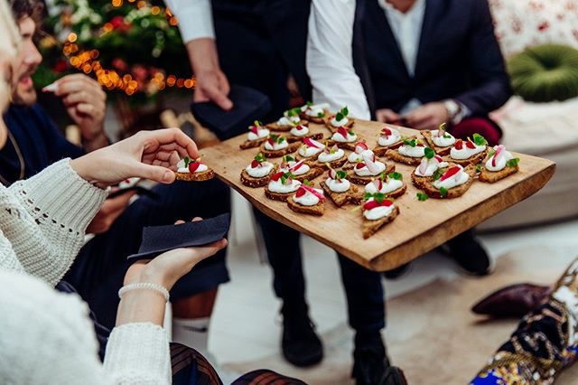When you're on a seafood diet, you see the food and eat it! 😁🍴#WMYH #wemakeyouhappy #events #creatingmoments #fingerfood #delicious #fakediet