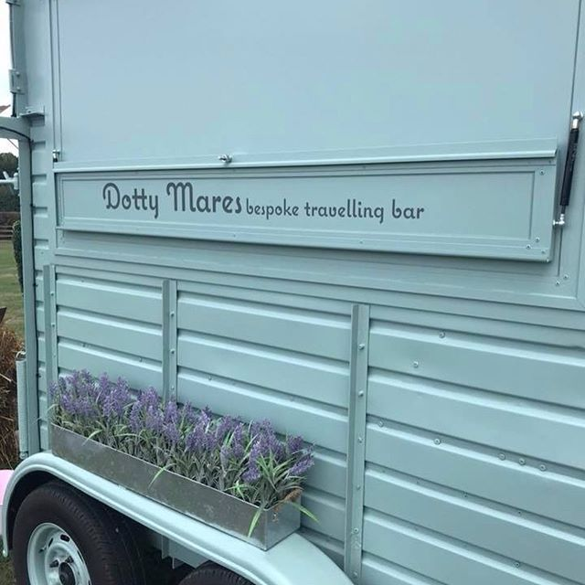 In case you've forgotten our signage above our hatch is interchangeable.  Perfect to personalise with your name and brilliant for Corporate Events..... #dryhire #gin #smalldistillers #rum #larger #ipa #prosecco #champagne #showcaseyourproduct #tradestand #corporatebar #corporateevents  #barhire  #filmprops #tvprops  #weddings  #weddingplanning  #bubblybar  #bubbles