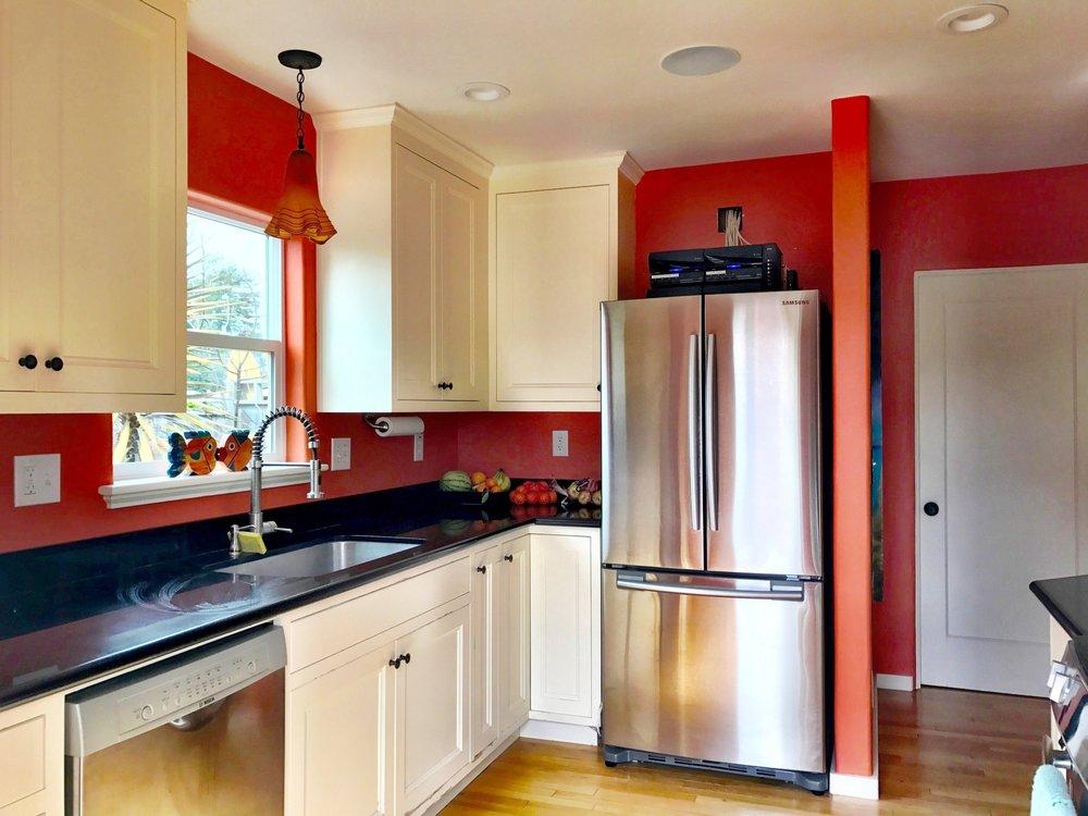 81de8-kitchen1.jpg