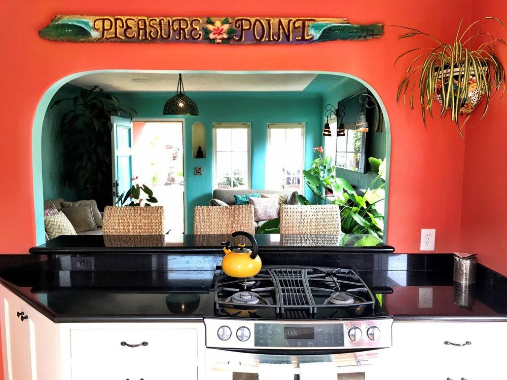 8088c-kitchen2.jpg