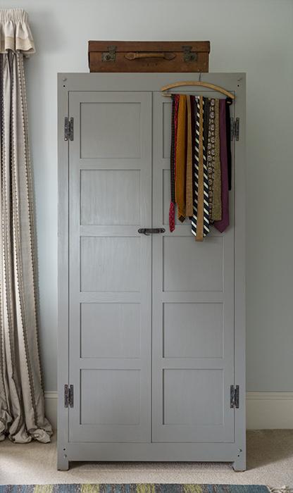 Knock-Down Wardrobe