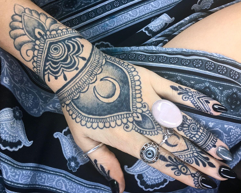 Artwork by Melissa Addams @melissaaddams